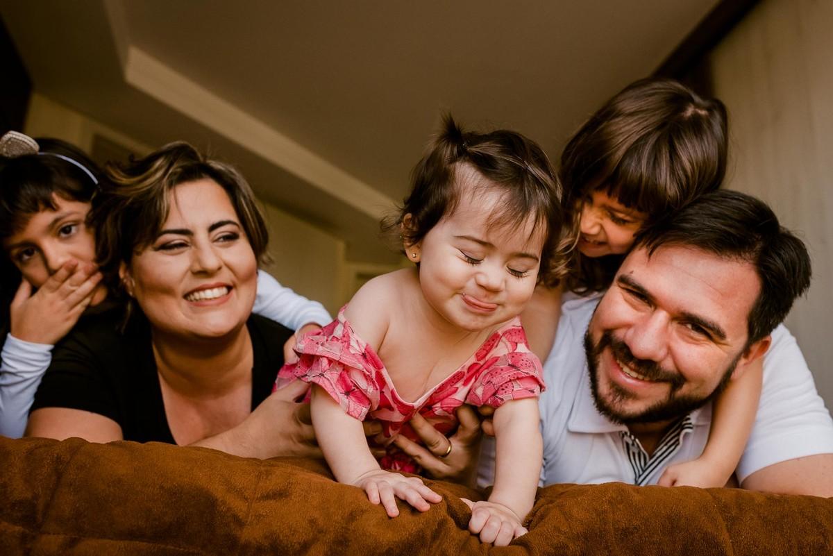 ensaio documental de familia curitiba, ensaio familia curitiba, book familia curitiba, ensaio fotografico familia, fotografia lifestyle curitiba, fotos de familia curitiba, fotografo de familia