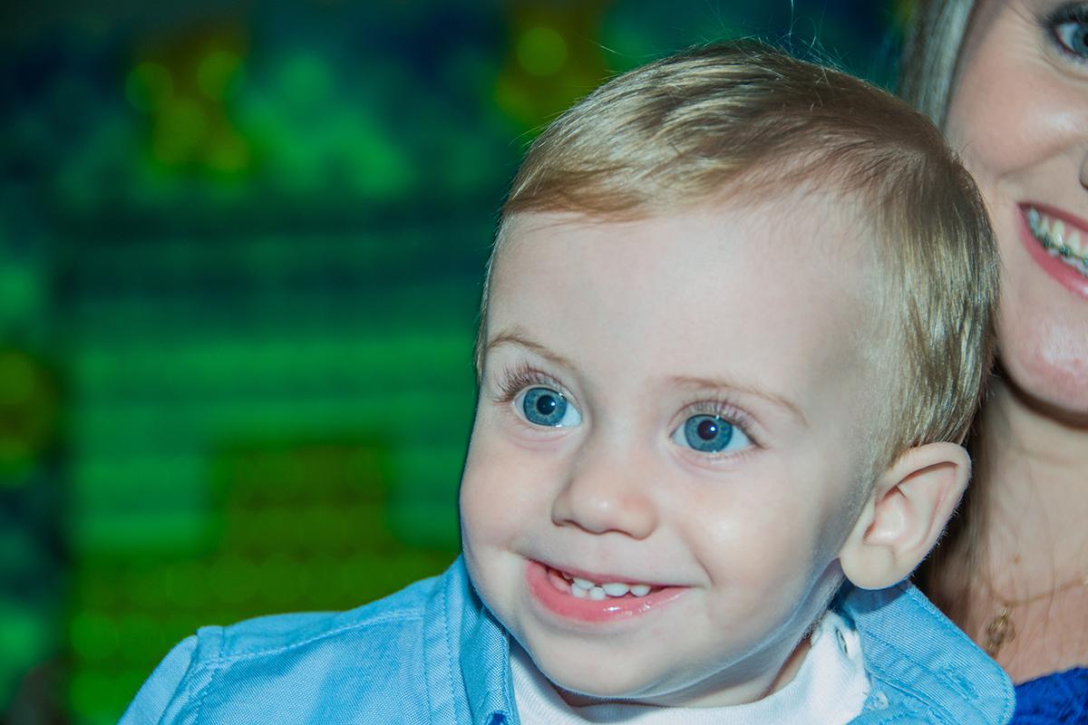 Miguel Gonçalves, aniversário um aninho, doces, bolo, balões, festa, olhos azuis,  aldeia kids