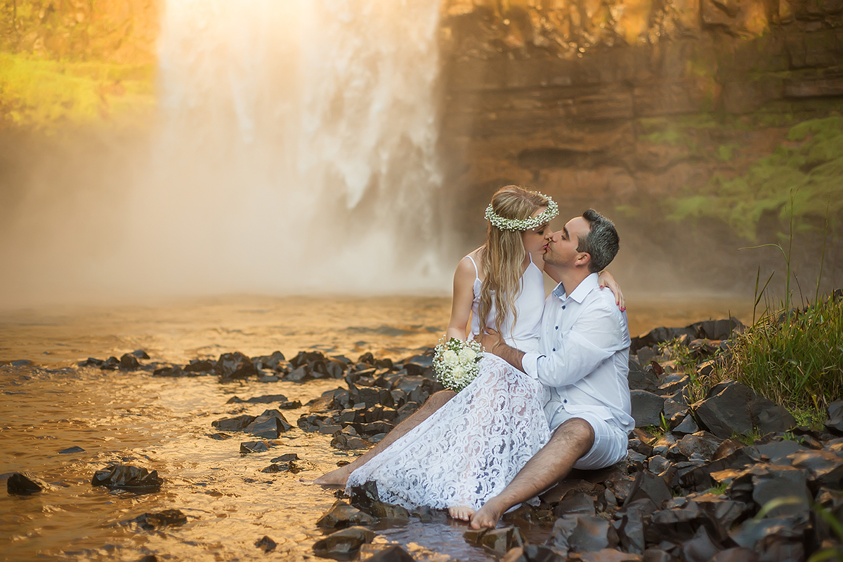josy e alessandro trash the dress cachoeira das freiras
