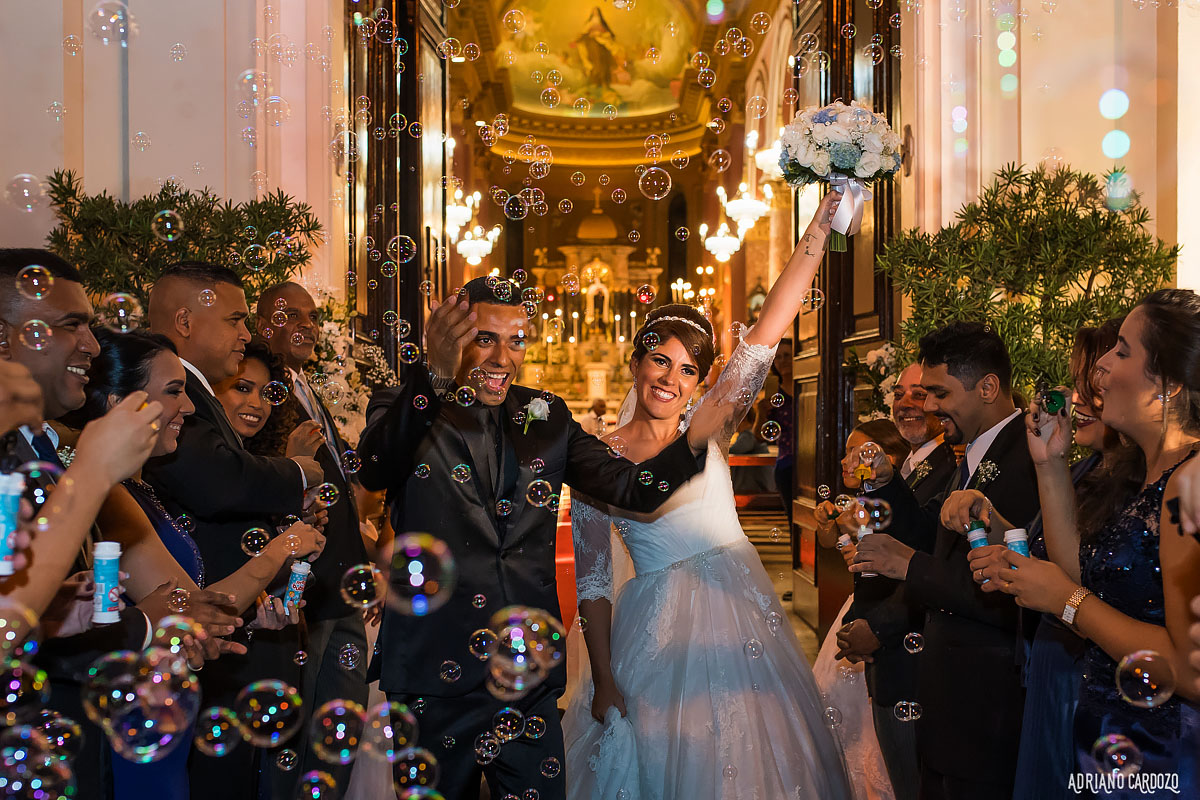 Recepção dos noivos na saída da igreja - Rio de Janeiro