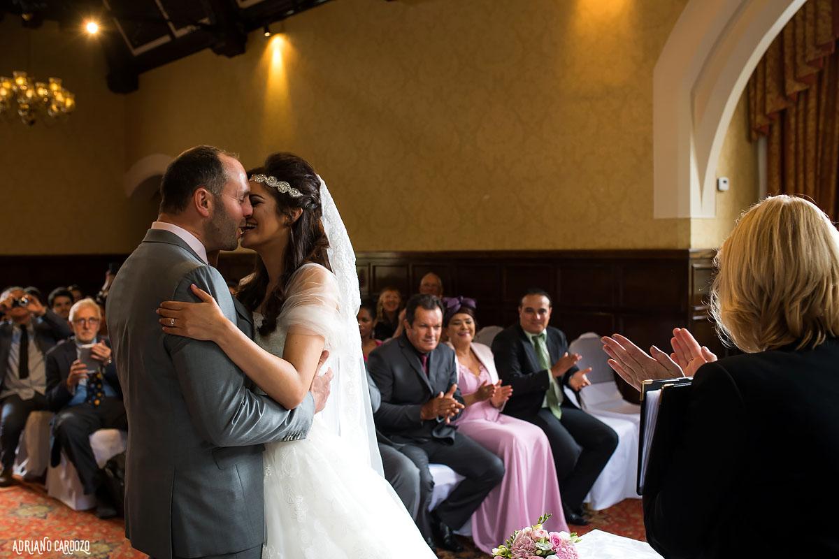 O beijo dos noivos - Casamento em Londres