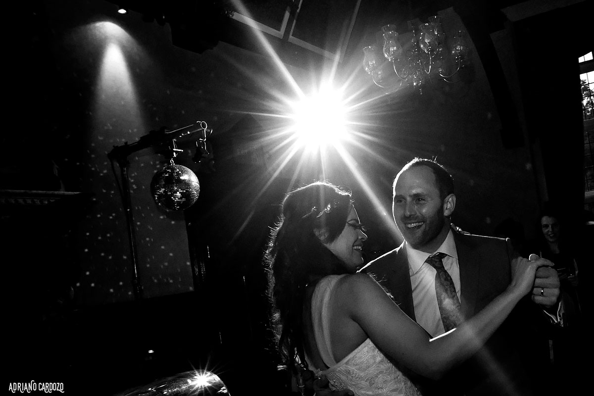 Noivos dançando - Londres