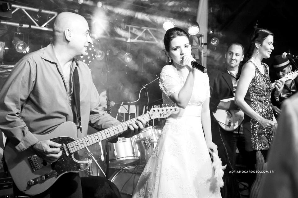 Fotografia de Casamento no RJ com Making Of no Hotel Le Relais, Cerimônia na Paróquia Nossa Senhora do Desterro e Festa no Vale dos Sonhos por Adriano Cardozo
