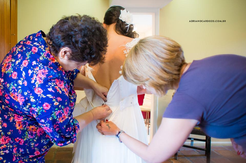 Fotografia de Casamento no RJ com Vestido na Noiva da Carol Hungria,  Cerimônia e Recepção no Sítio Pedaço do Paraíso em Vargem Grande por Adriano Cardozo