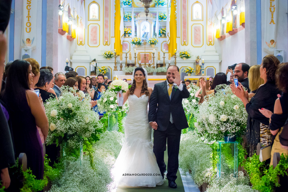 Fotografia de Casamento em Paraty no RJ com Making Of na Pousada Literária, Cerimônia na Igreja Matriz e Festa na Pousada das Pedras por Adriano Cardozo