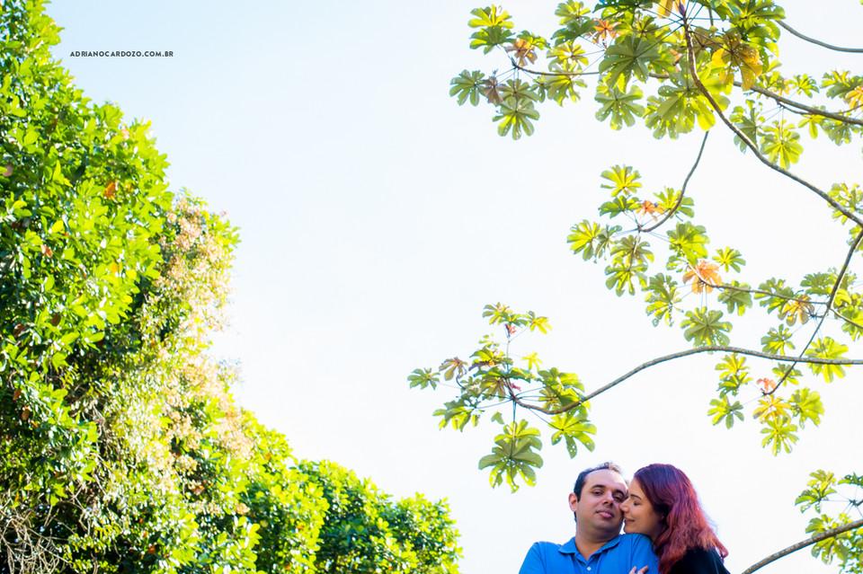 Ensaio de casal pré-wedding no Jardim Botânico do RJ por Adriano Cardozo
