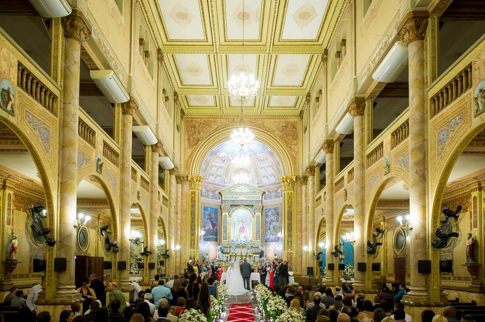 Fotografia de Casamento no RJ com Making Of no hotel Arena em Copacabana e a Cerimônia na Igreja Sagrado Coração de Jesus no Méier e Recepção na casa de festa Palladium por Adriano Cardozo