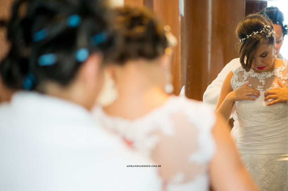 Fotografia de Casamento no RJ com Making Of da Noiva feita no hotel Radisson na Barra da Tijuca por Adriano Cardozo