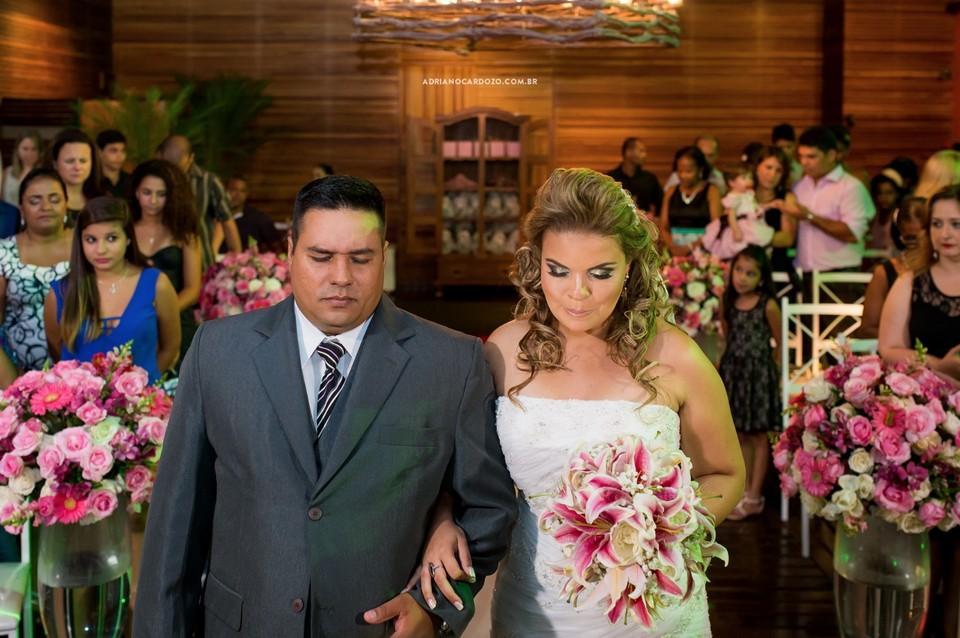 Fotografia de Casamento no RJ com Cerimônia feita na casa de festa Festmel na Penha por Adriano Cardozo