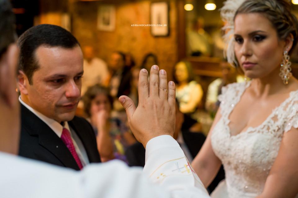 Fotografia de Casamento no RJ feita no Bistrô Ouvidor no Centro do RJ para comemoração de Bodas de Turquesa por Adriano Cardozo.