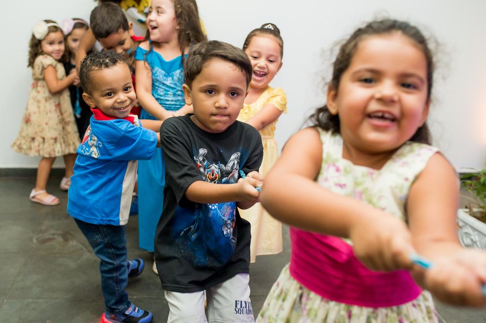 Fotografia de festa infantil com o tema Rapunzel por Adriano Cardozo