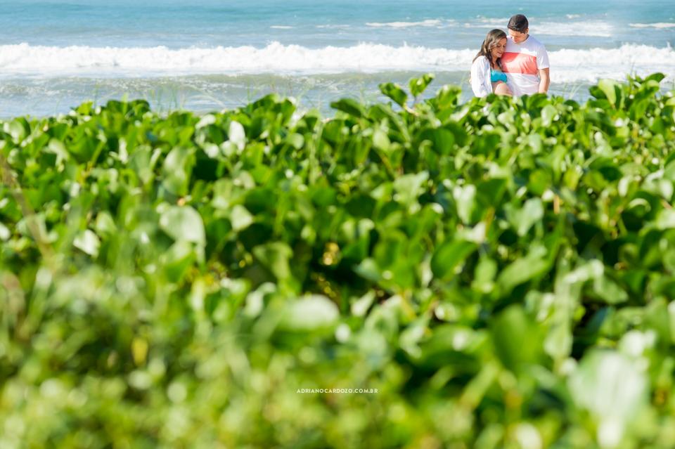 Fotografia de Gestante no Rio de Janeiro. Book Gestante de gêmeos no RJ na praia de Grumari por adriano Cardozo