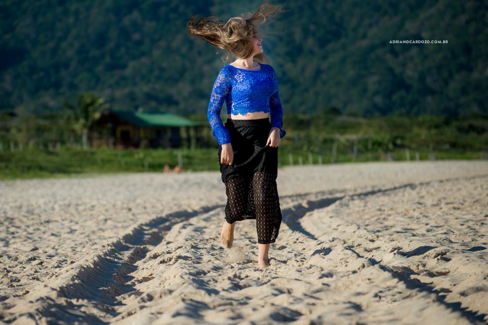 Ensaio de 15 Anos na Praia de Grumari no Rio de Janeiro