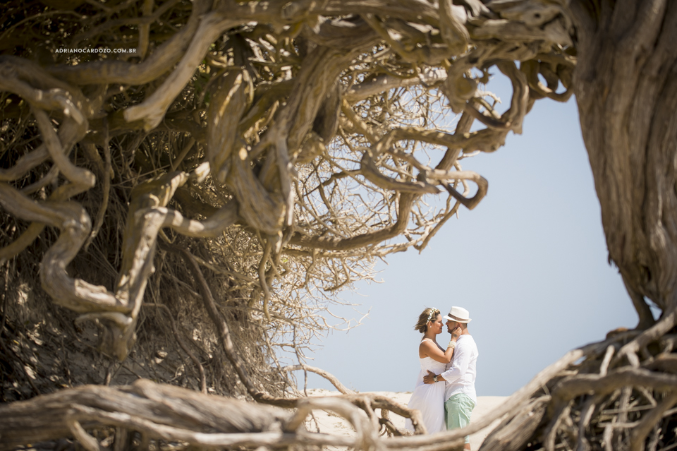 Árvore da Preguiça - Ensaio de casal em Jericoacoara-CE por Adriano Cardozo