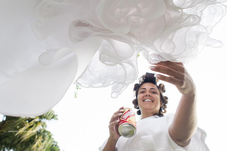 Vestido da Noiva. Making Of da Noiva. Casamento no RJ na Casa de Festas Casuarinas por Adriano Cardozo
