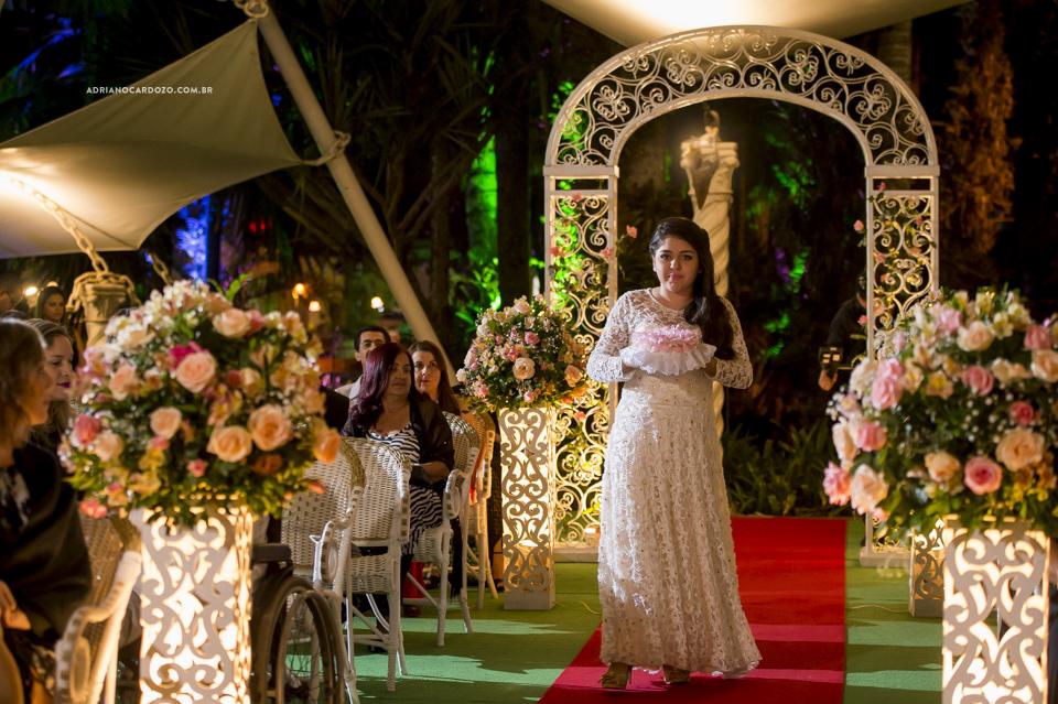 Casamento no Recanto dos Sonhos. Entrada das Alianças por Adriano Cardozo