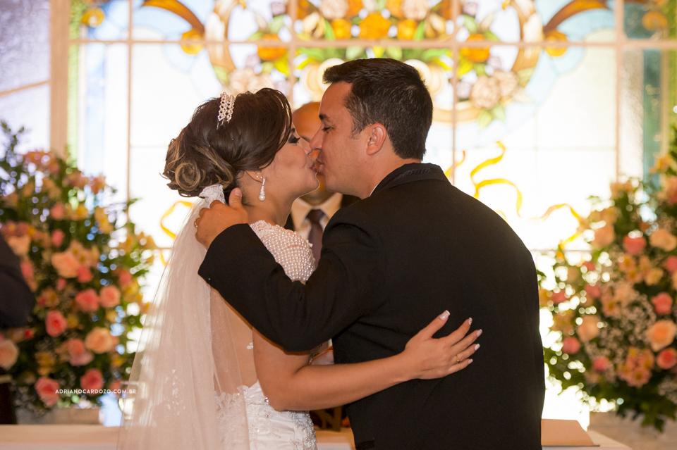 Cerimônia no Recanto dos Sonhos. Beijo por Adriano Cardozo
