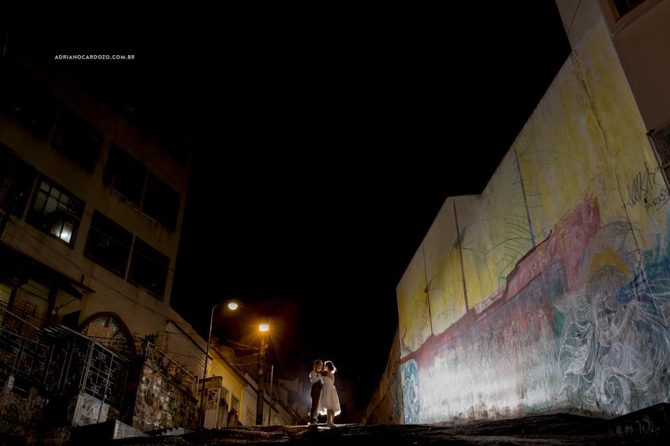 Entrada da Nova. Casamento na Pedra do Sal no Rio de Janeiro por Adriano Cardozo