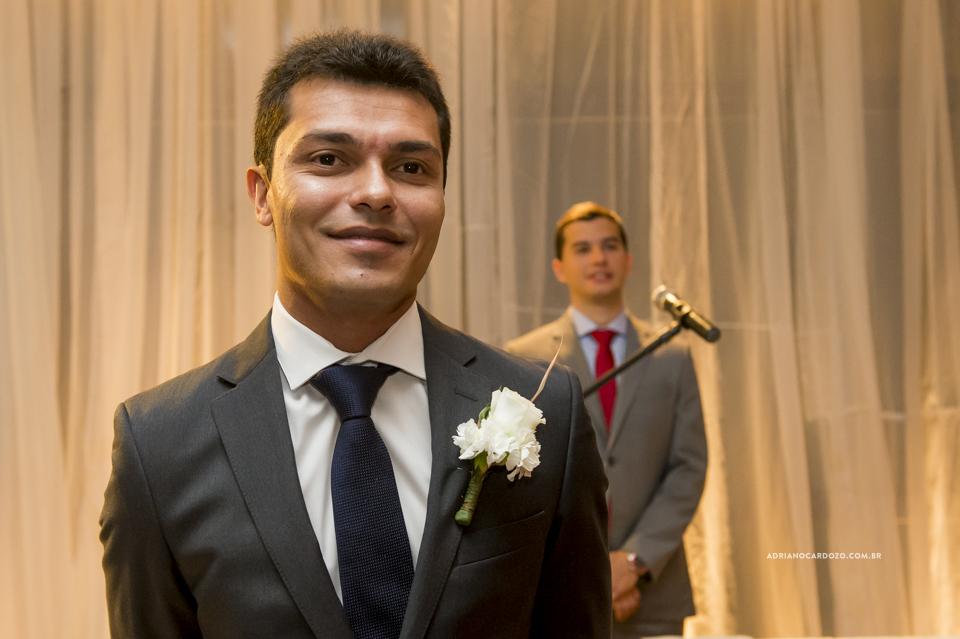 Noivo esperando a Noiva. Cerimônia no Iate Clube Icaraí por Adriano Cardozo