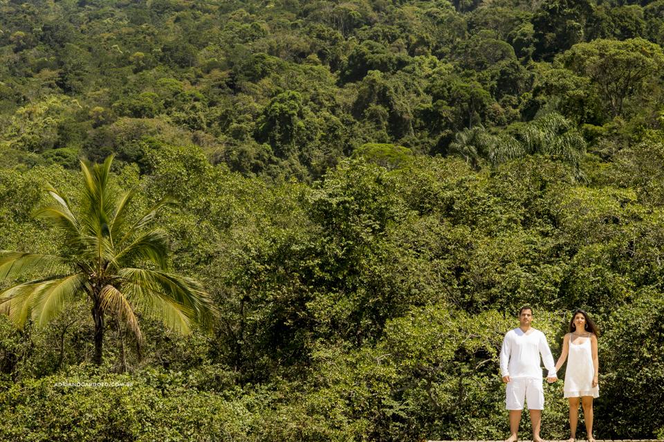 Ensaio de casal na Ilha Grande, Praia do Pouso por Adriano Cardozo