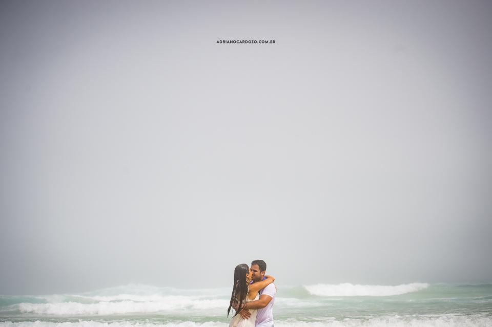 Ensaio de casal na Ilha Grande, Praia de Lopes Mendes por Adriano Cardozo