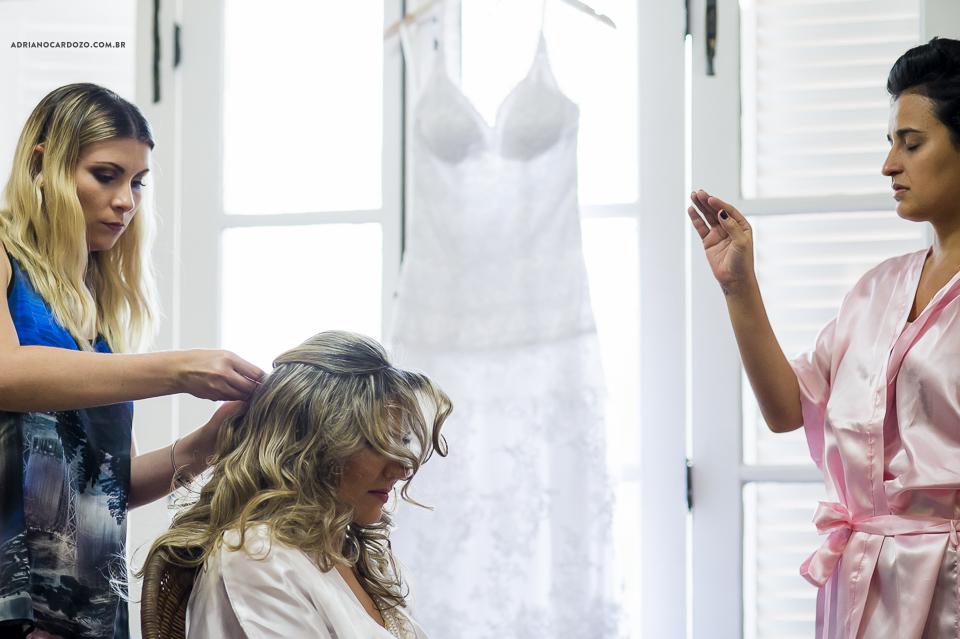 Making Of da Noiva. Fotografia de Casamento RJ. Casamento no Sítio Pedaço do Paraíso, por Adriano Cardozo.