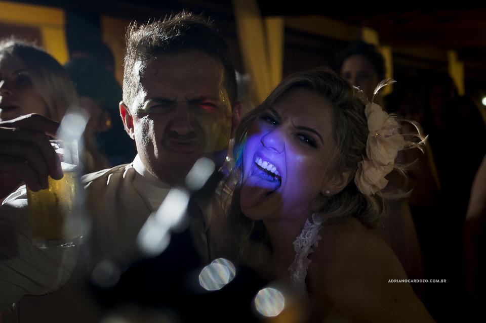 Festa de Casamento. Fotografia de Casamento RJ. Casamento no Sítio Pedaço do Paraíso, por Adriano Cardozo.