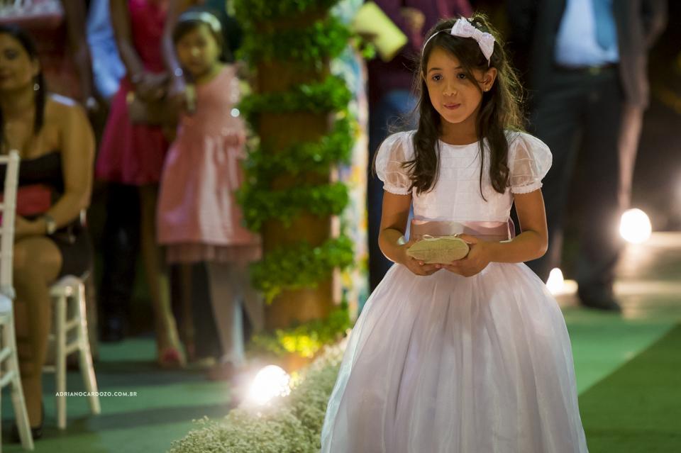 Cerimônia de Casamento no Clube Ginástico Português, entrada das alianças por Adriano Cardozo