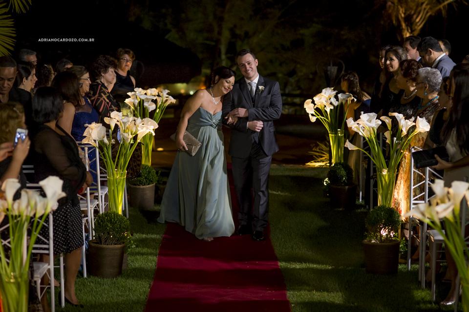 Fotografia de Casamento. Entrada do Noivo. Cerimônia no Garden Party por Adriano Cardozo