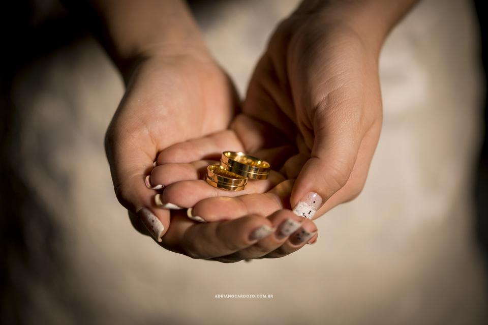 Fotografia de Casamento. Alianças de noivado. Making Of no Garden Party por Adriano Cardozo