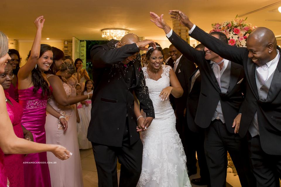 Fotografia de Casamento RJ. Festa no Sítio Rei do Gado por Adriano Cardozo