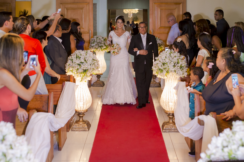 Fotografia de Casamento RJ. Cerimônia na Capela do Jardim do Casarão por Adriano Cardozo.