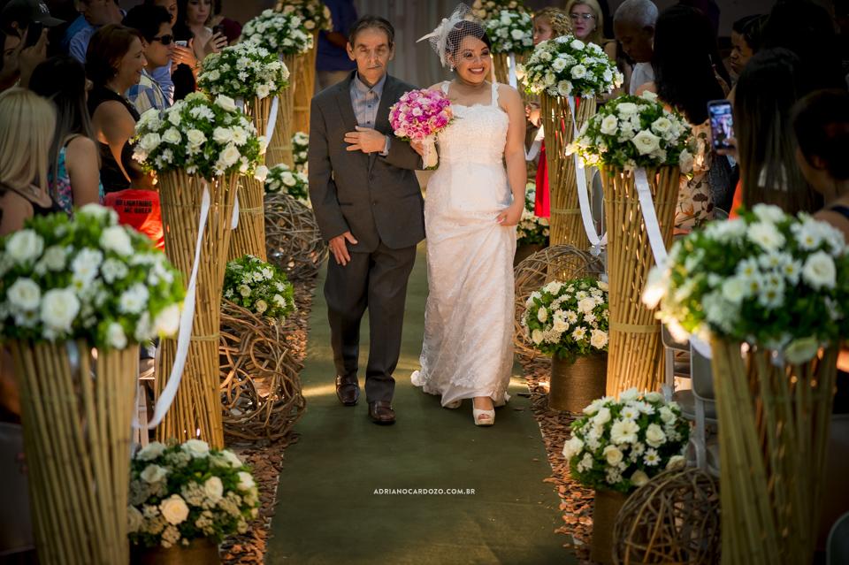 Fotografia de Casamento no Rio de Janeiro. Entrada da Noiva. Cerimônia na Igreja Metodista Central por Adriano Cardozo