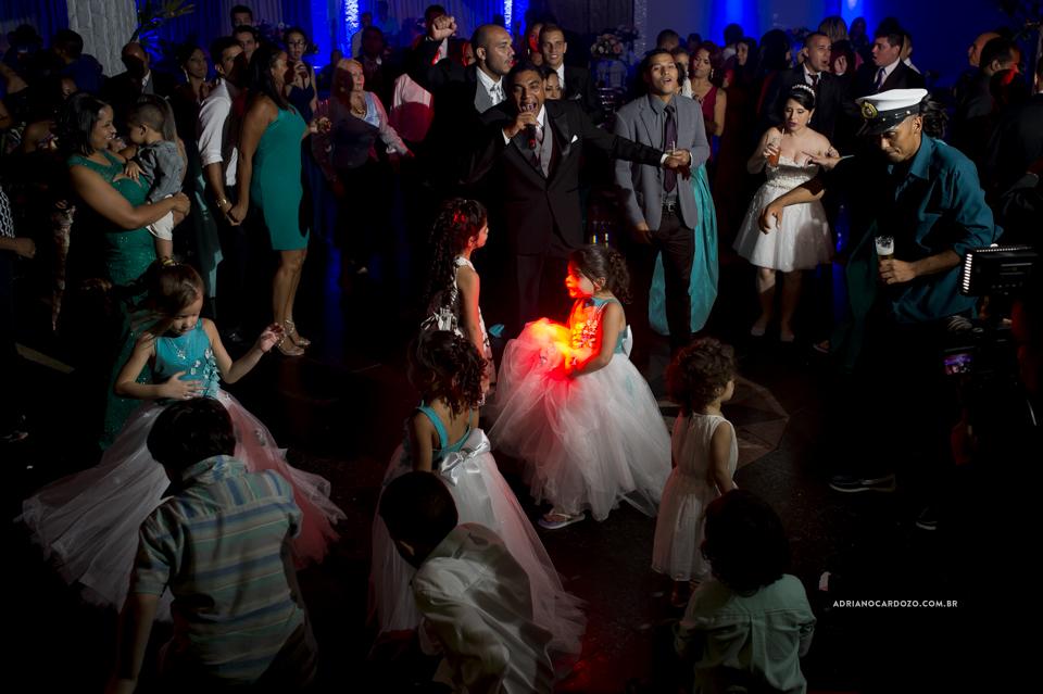 Fotografia de Casamento RJ. Festa de casamento no salão Miwake por Adriano Cardozo.