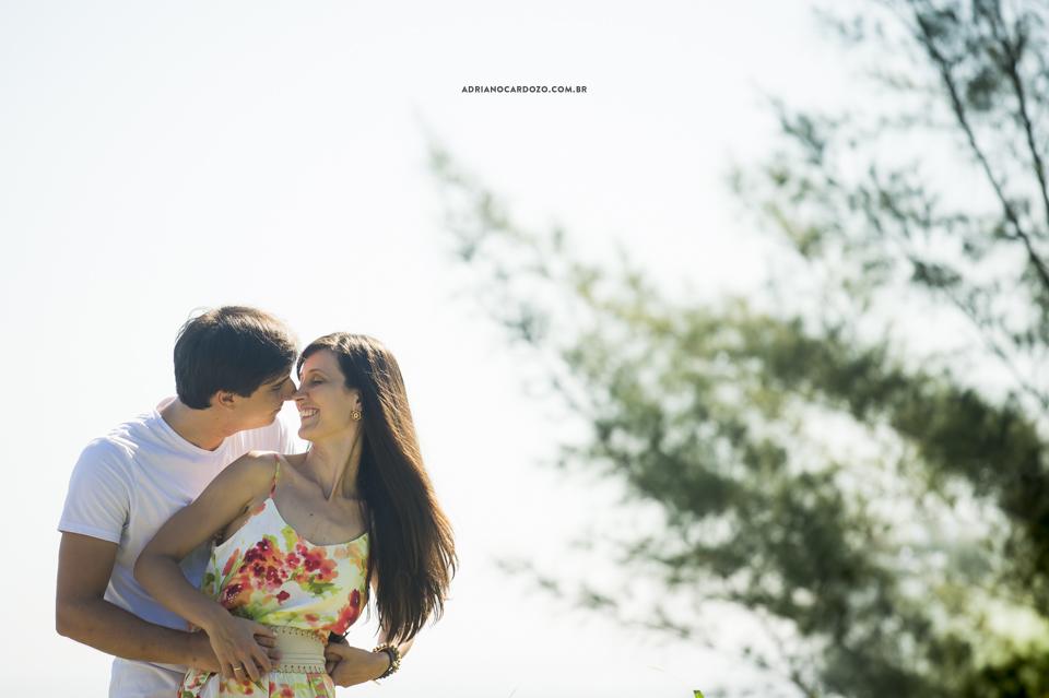 Fotografia de casamento. Ensaio Pré-Wedding na prais da Joatinga por Adriano Cardozo