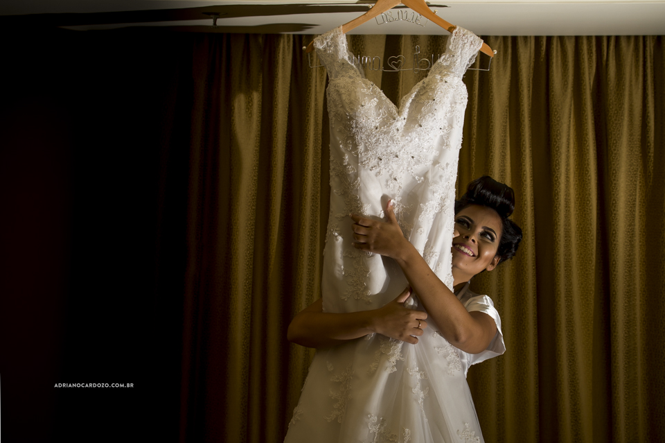 Fotógrafo de Casamento no Rio de Janeiro. Making Of no Hotel Windsor Barra. Vestido da Noiva por Adriano Cardozo