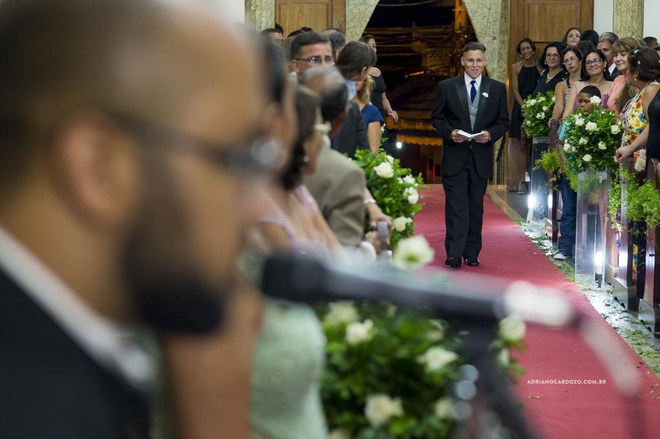 Fotógrafo de Casamento no Rio de Janeiro. Cerimônia na Igjeja São Roque de Valqueire por Adriano Cardozo