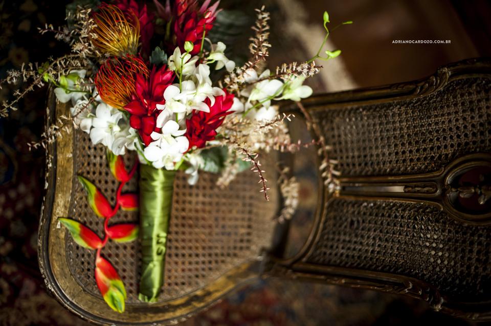 Fotografia de Casamento RJ. Fotógrafo de Casamento RJ. Casamento na fazenda São Luis da Boa Sorte em Vassouras Por Adriano Cardozo. Buquê da Noiva.
