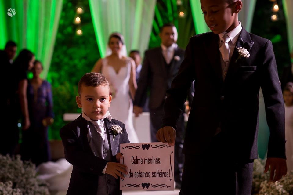 Fotografia de Casamento no Rio de Janeiro. Fotógrafo de Casamento RJ. Cerimônia de Casamento no Espaço único. Saída dos Pajens