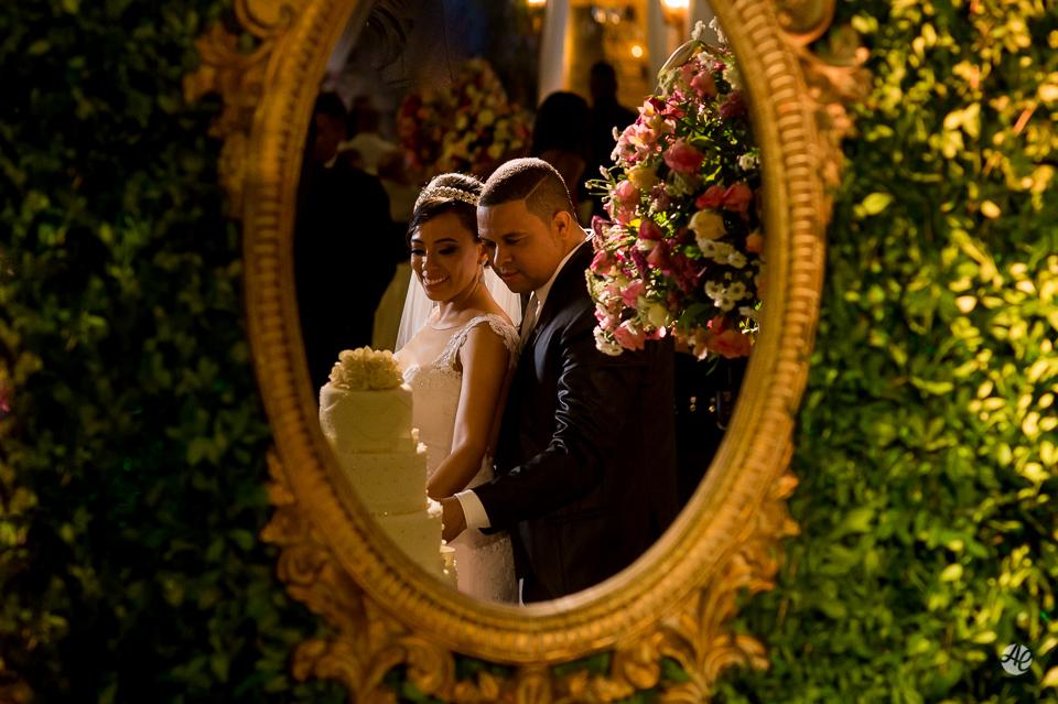 Fotografia de Casamento no Rio de Janeiro. Fotógrafo de Casamento RJ. Festa de Casamento no Espaço único. Corte do Bolo