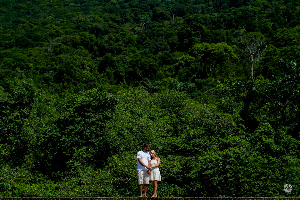 Ensaio de Casal em Abraão, na Ilha Grande. E-Session na Ilha Grande, Pré-Wedding na Ilha Grande. Fotografia de Casamento, Fotógrafo de Casamento no Rio de Janeiro
