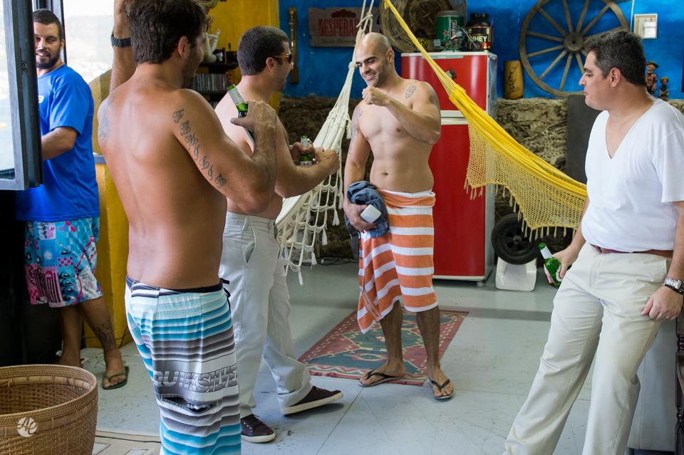 Making Of do Noivo. Fotografia de Casamento em Niterói, RJ. Casamento Guardenya Bech Club em Niterói por Adriano Cardozo