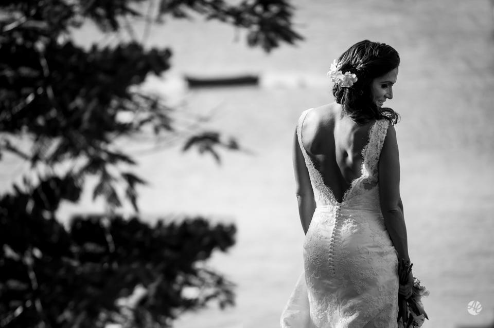 Retratos da Noiva. Fotografia de Casamento em Niterói, RJ. Casamento Guardenya Bech Club em Niterói por Adriano Cardozo