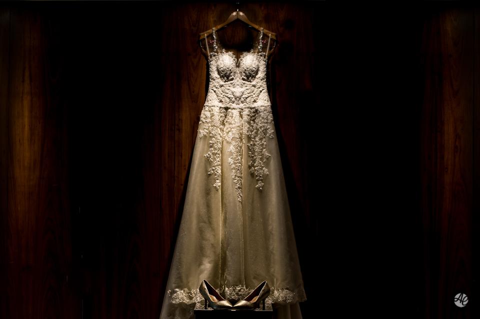 Casamento em Niterói, rio de Janeiro. Making Of no Hotel H, em Niterói por Adriano Cardozo. Vestido da Noiva.
