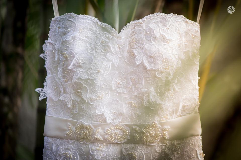 Casamento Stella e Bruno. Casamento realizado no Sítio White Pink. Makking Of da Noiva. Vestido da Noiva por Adriano Cardozo.