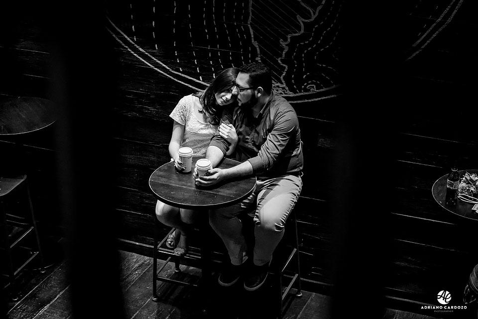 Ensaio pré-casamento dentro da Starbucks no Centro do Rio
