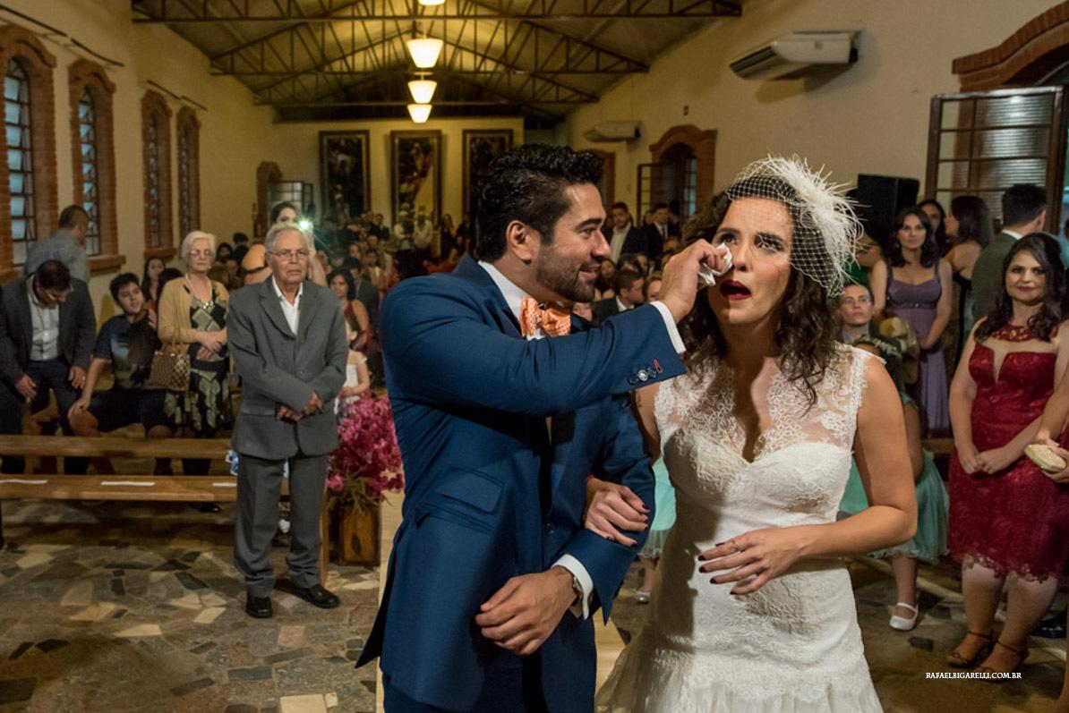 chegada da noiva cerimonia de casamento