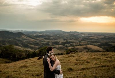 Capa do álbum do Trash it de Carol + Matheus fotografados por Rafael Bigarelli Fotógrafo de casamento