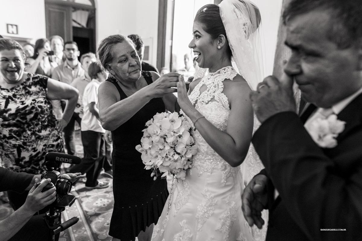 entrada da noiva preto e branco