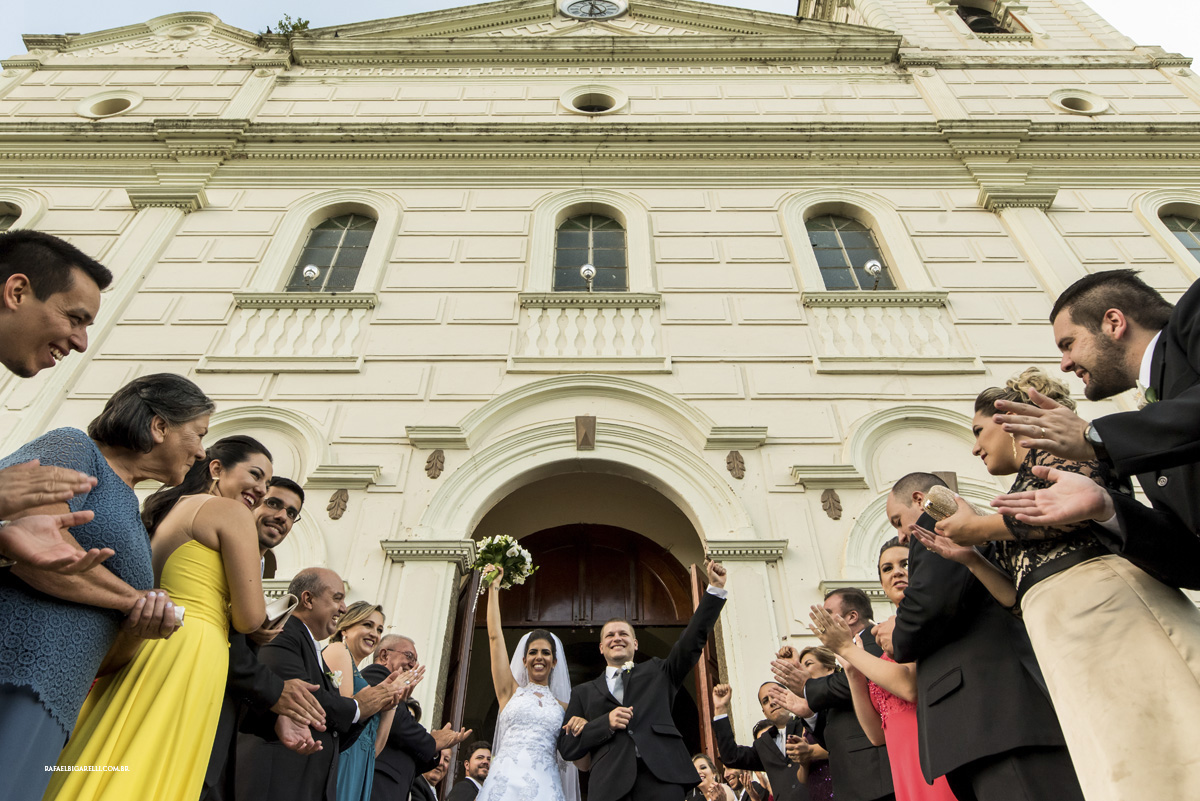 noivos igreja saida
